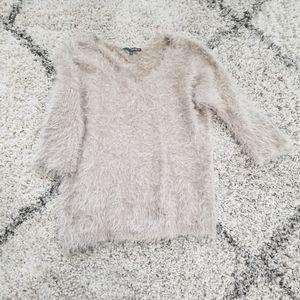 Matty M. Fuzzy Beige Sweater 3/4 Sleeve V Neck Win